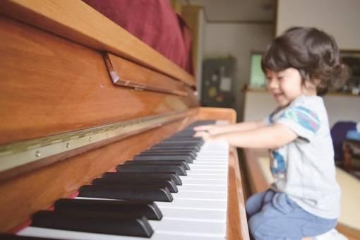 子どもの習い事Q&A|はじめるタイミングは?ピアノや水泳、幼児教室など、どんな習い事がいいの?気になる疑問を解決!