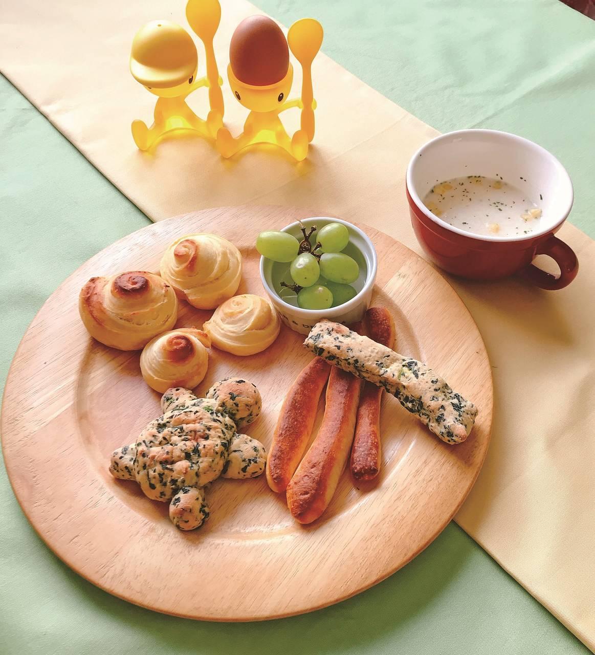 お手軽簡単レシピ|栄養たっぷりスティックパン \トースターで10分♪ / 野菜が嫌いでも子どもと一緒に作って、おやつのように食べてもらえる