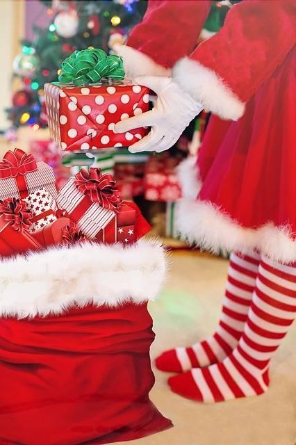 クリスマスについて|子どもが喜んだクリスマスプレゼントのエピソードがあれば教えて!キャラクター?電車系?サンタさんからのプレゼント♪ ママのクチコミアンケート