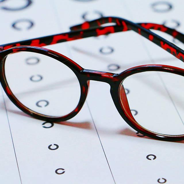 一生の視力を左右する乳幼児期 守ろう! 子どもの大切な目 ともに育つ・育む