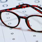 一生の視力を左右する乳幼児期 守ろう! 子どもの大切な目|ともに育つ・育む