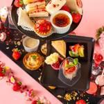 【福岡】甘いいちご に囲まれた上質なティータイム 「 いちご アフタヌーンティーセット 」|ANAクラウンプラザホテル福岡