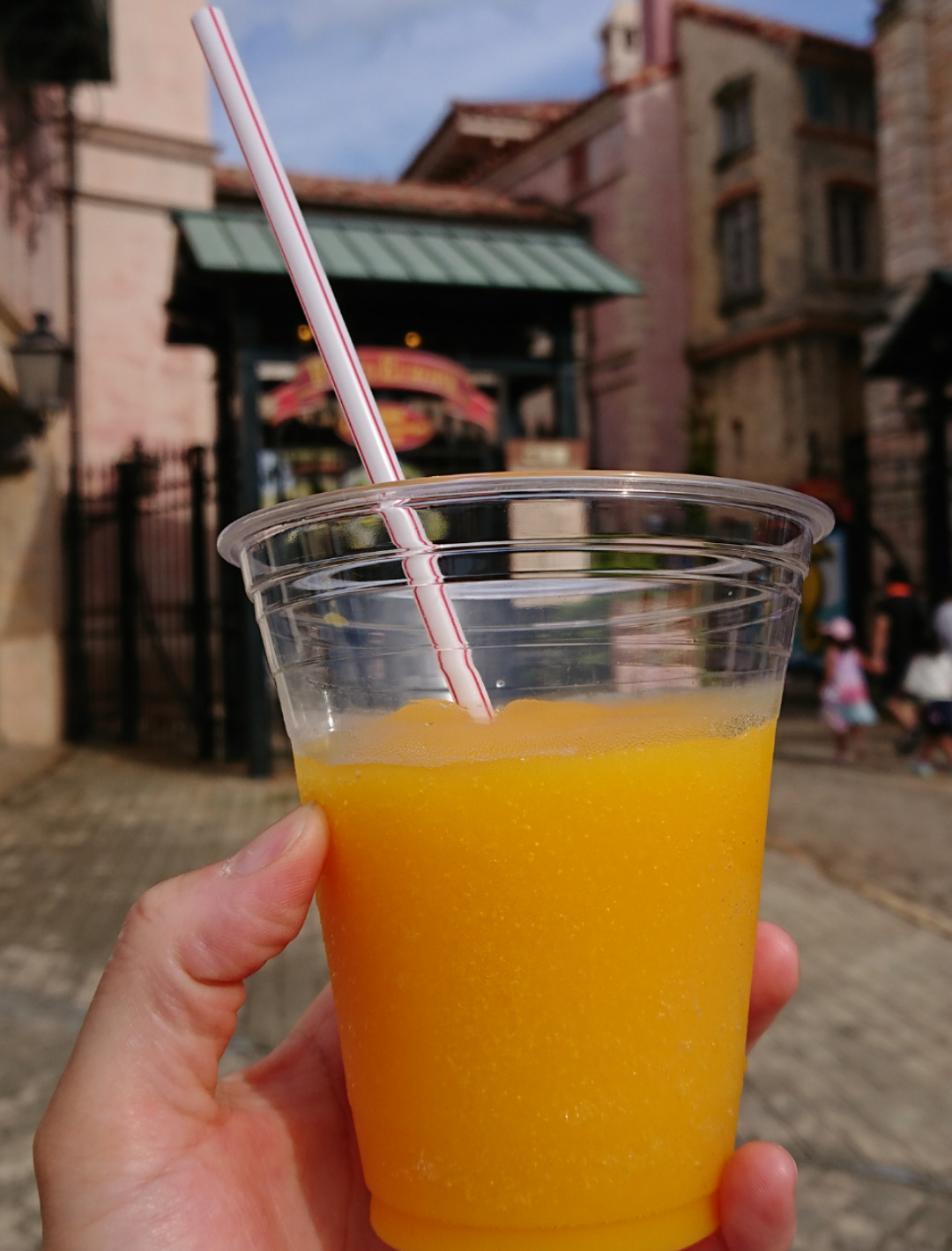 新鮮な果物のジュースを!