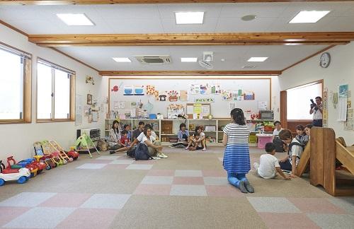 「大町市児童センター」