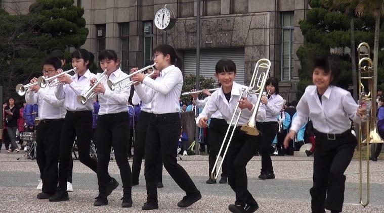 大阪市立緑中学校吹奏楽部による演奏