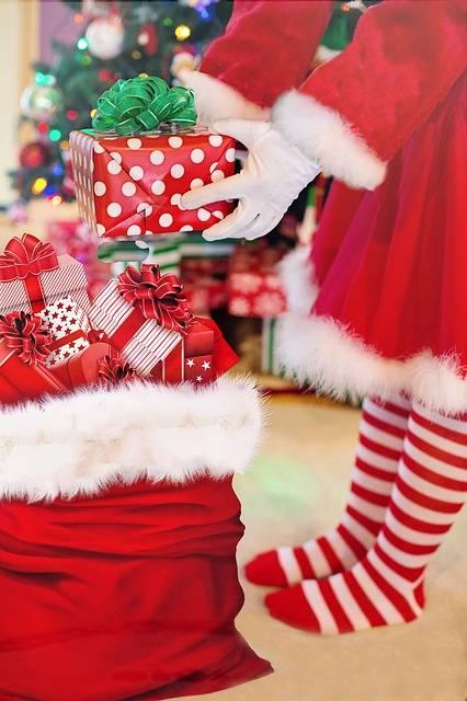 Santa Woman Presents Christmas · Free photo on Pixabay (59009)